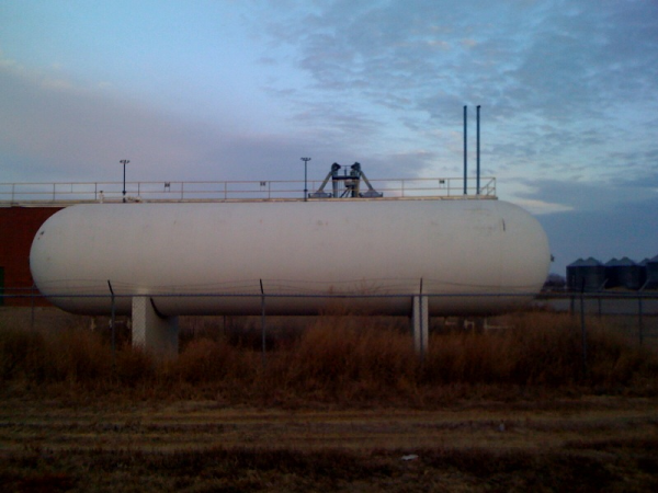 18,000 gallon propane tank