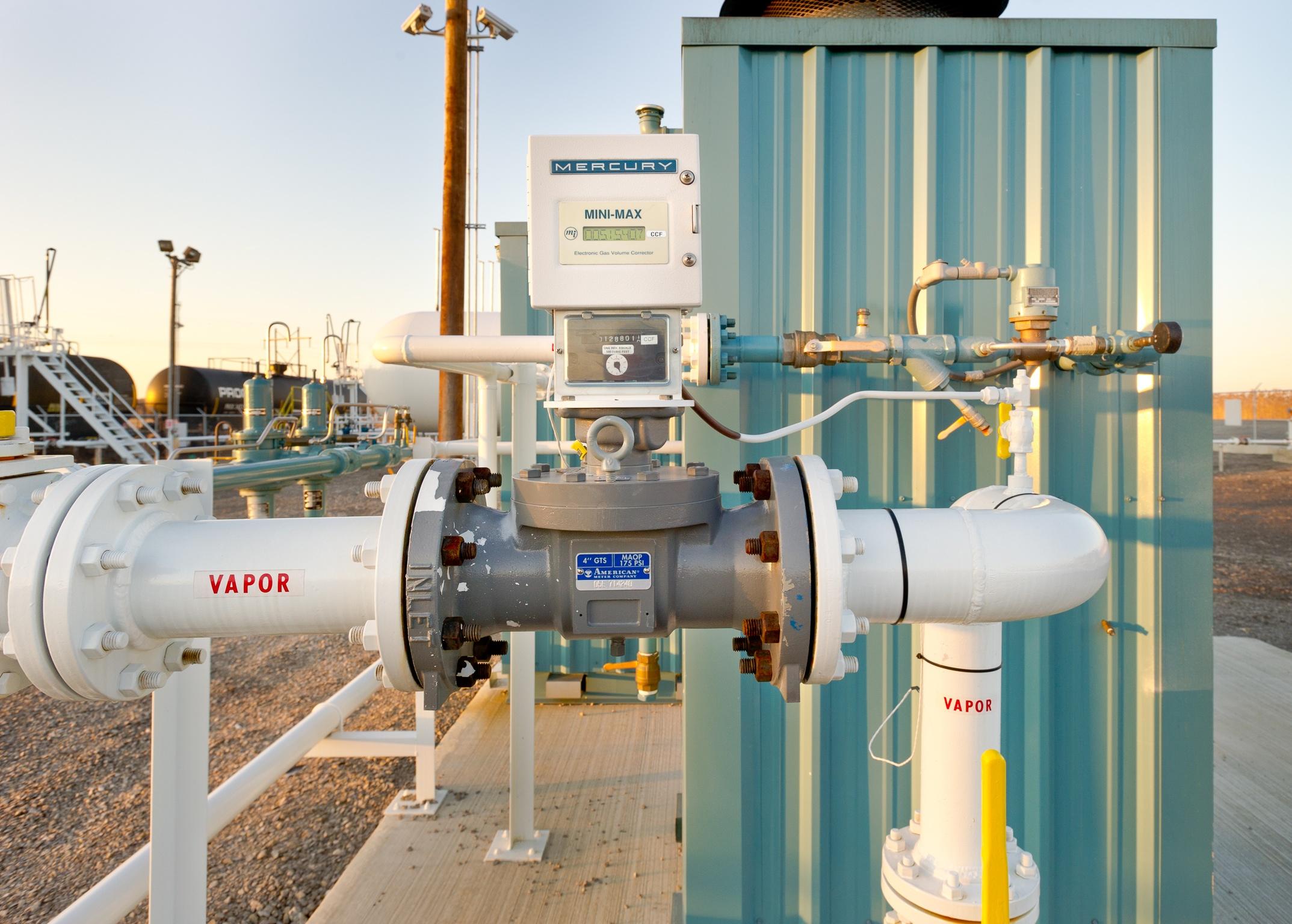 NGL LPG Terminal -  Pipes Piping