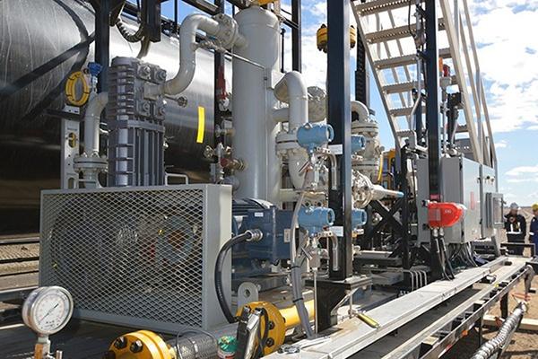 4_Liquid Transfer Metering Skid - Custom Engineering Services.jpg