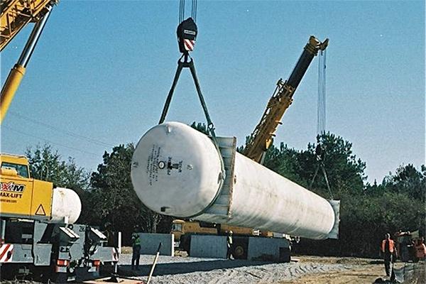 3 - LPG NGL Concrete Tank Piers.jpg