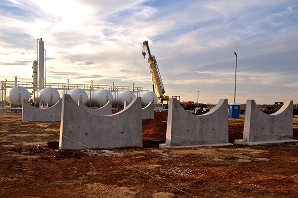 5 - NGLs Storage - Concrete Tank Piers Saddles.jpg