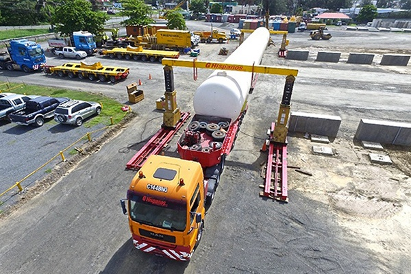 8 - LPG Marine Terminal Construction_First Tank Offloading from Flat Bed onto pre-cast peirs.jpg